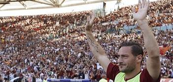 Francesco Totti crying at the end of his last match